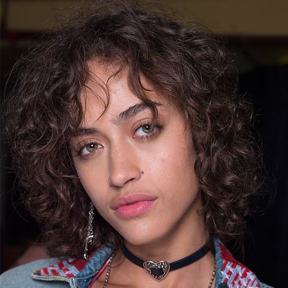 Fashion Week 2017 Los Angeles Tommy Hilfiger Backstage Curly Hair